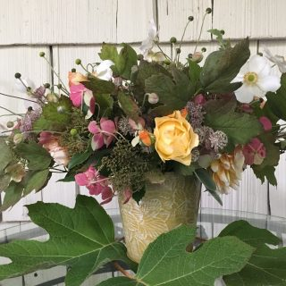 An easy tailgate bouquet & falling for fall…