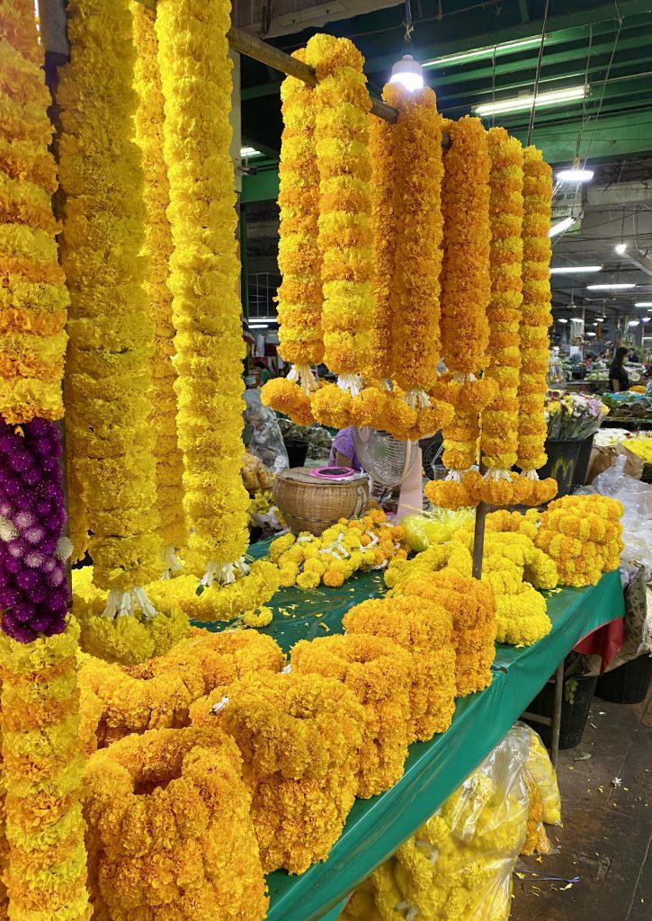 marigold garlands, flower market, bangkok, Wang Burapha Phirom