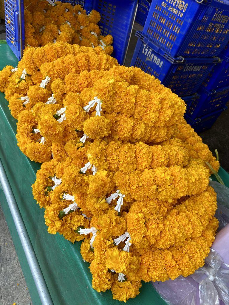 Marigold garlands, Malai Song Chai, bangkokflower market, Wang Burapha Phirom