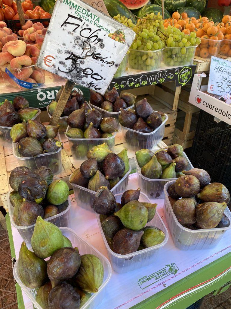 Fichi, figs from Puglia, Mercato dei Fiori, Ventimiglia, Italy, Ventimille, Italie