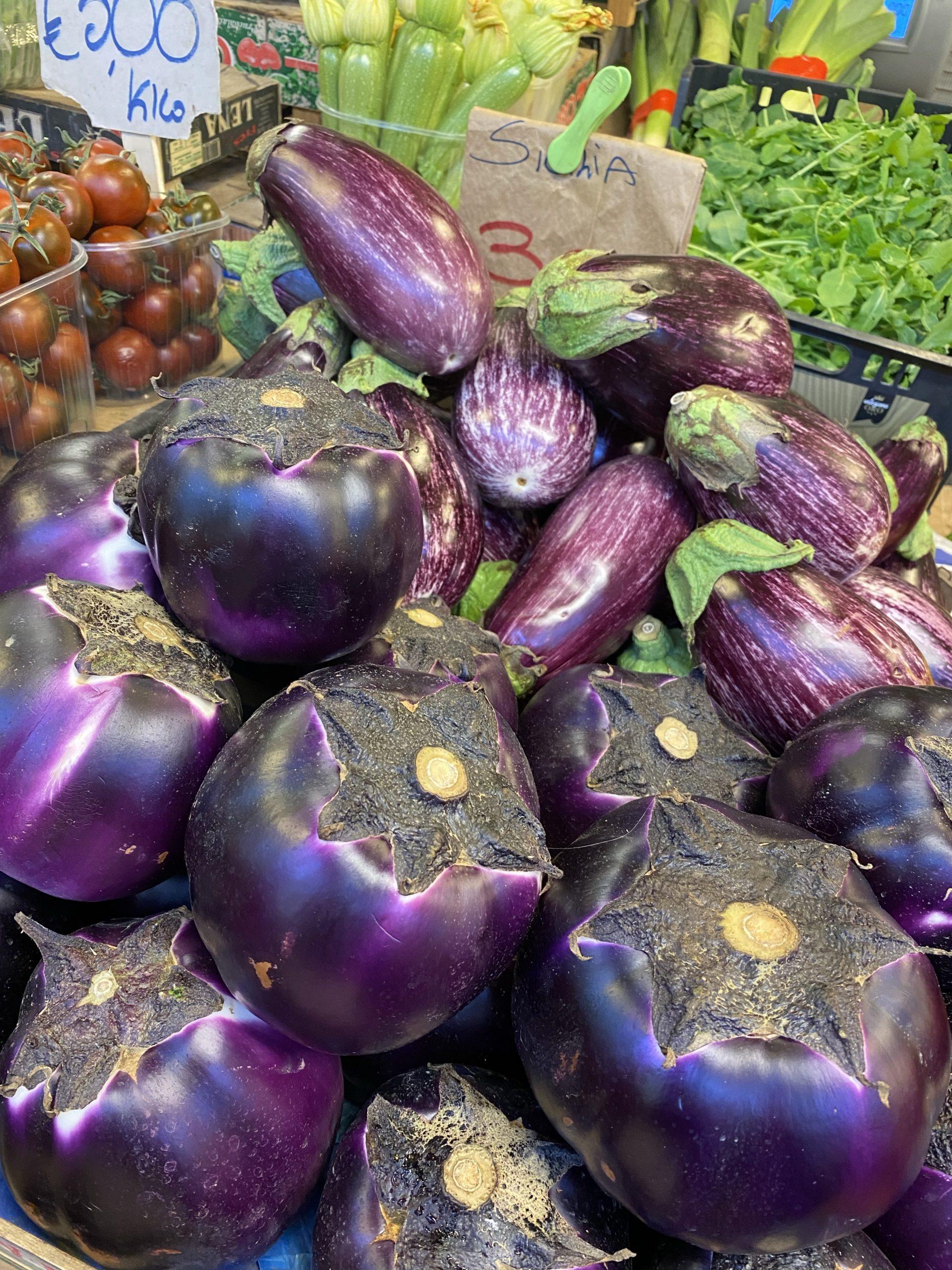 Eggplants, melanese, Mercato dei Fiori, Ventimiglia, Italy, Ventimille, Italie