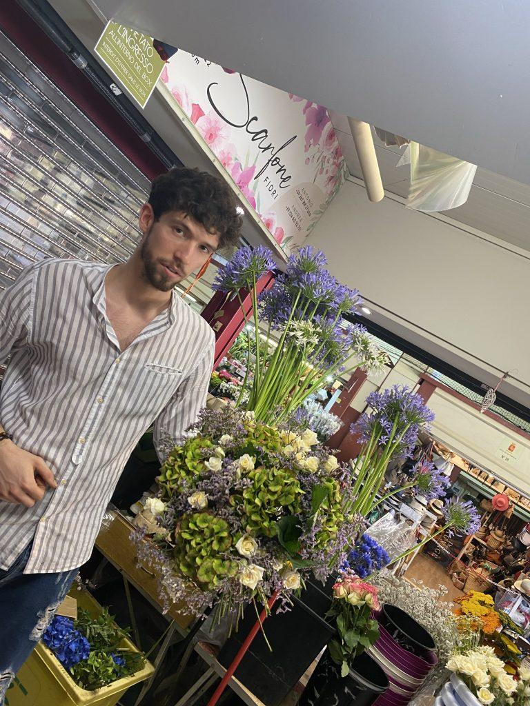 Mercato dei Fiori, Ventimiglia, Italy, Ventimille, Italie, Antonio Scarfone, green hydrangeas, white spray roses, custom bouquet