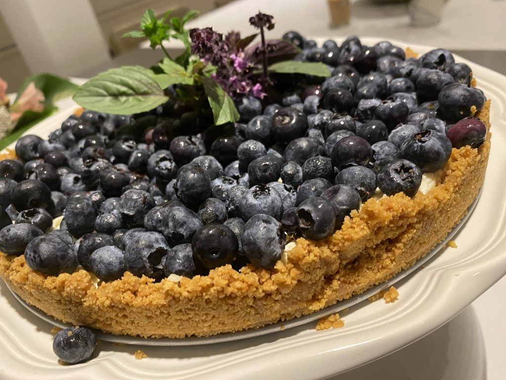 no-bake blueberry tart, 5 ingredient fruit tart, graham cracker crust, tillamook salted butter, solo almond cake and pastry filling, sour cream, creme fraiche, lazy lady dessert, easy dessert, easy fruit tart, easy blueberry tart